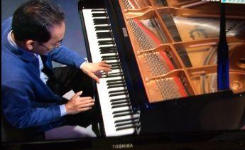 新垣隆ピアノ演奏はすごい!.jpg